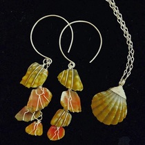 kauai art gallery, fine art kauai, makai designs, sunrise shell jewelry, local made jewelry, but kauai jewelry, kauai necklace, kauai earrings, hawaii jewelry, shell necklace, kauai made, local kauai, silver kauai, gold kauai, handmade kauai,